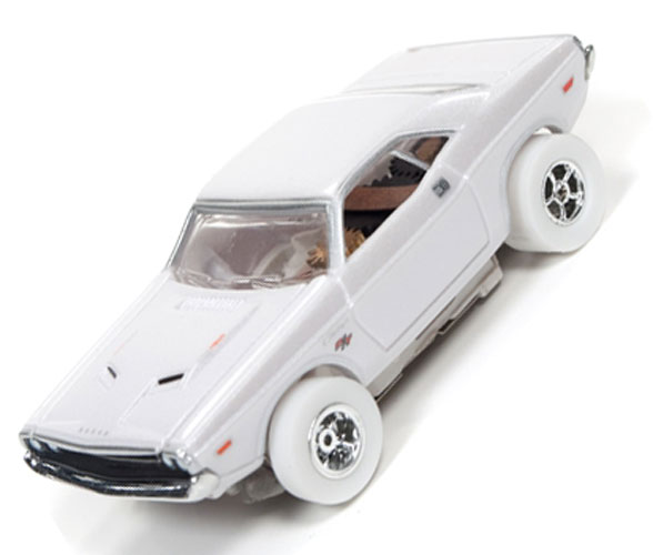 Auto World IWheels Dodge Challenger Xtraction Slot Car Ho